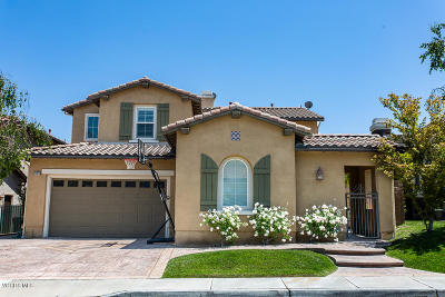 Simi Valley Single Family Home For Sale: 2004 Seasons Street