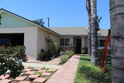 Santa Paula Single Family Home Active Under Contract: 627 Venus Avenue