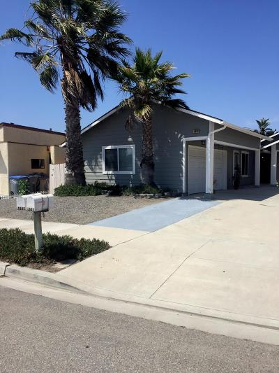 Oxnard Condo/Townhouse For Sale: 4943 Dunes Circle