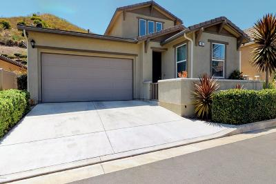 Santa Paula Single Family Home For Sale: 944 Coronado Circle