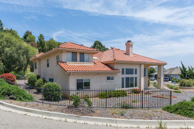 Santa Paula Single Family Home For Sale: 708 Regent Court