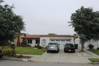 Oxnard Single Family Home For Sale: 1121 Lawrence Way