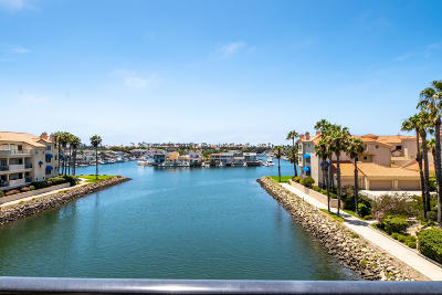 Oxnard Condo/Townhouse For Sale: 1753 Emerald Isle Way