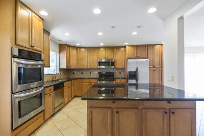 Camarillo Single Family Home For Sale: 2262 Klamath Drive