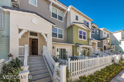Oxnard Condo/Townhouse For Sale: 3667 Islander Walk #37