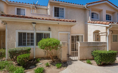 Oxnard Condo/Townhouse For Sale: 2160 Blackberry Circle