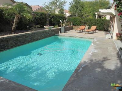 Palm Desert CA Single Family Home For Sale: $369,000