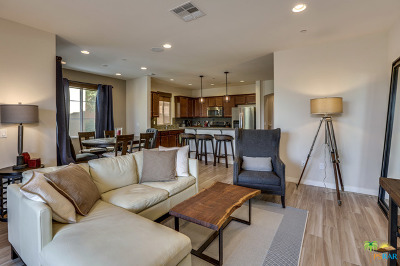 La Quinta Condo/Townhouse For Sale: 80040 Silver Sage Lane
