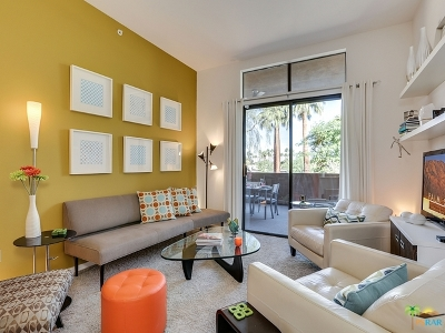Palm Springs Condo/Townhouse Contingent: 1028 East Palm Canyon Drive #202