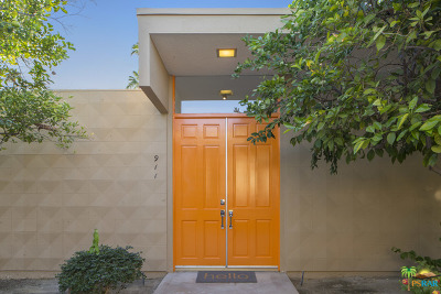 Palm Desert Condo/Townhouse Contingent: 72527 El Paseo #911