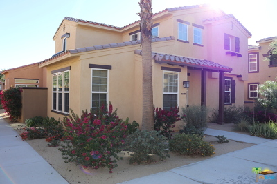 La Quinta Single Family Home Contingent: 52153 Rosewood Lane