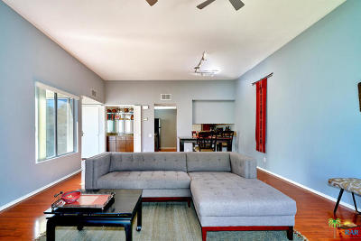 Palm Springs CA Condo/Townhouse For Sale: $134,900
