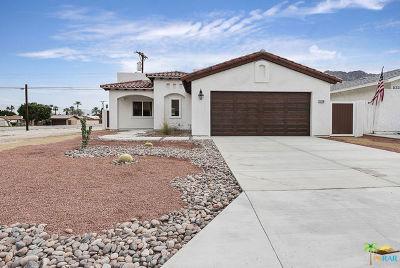 La Quinta Single Family Home For Sale: 52290 Avenida Vallejo