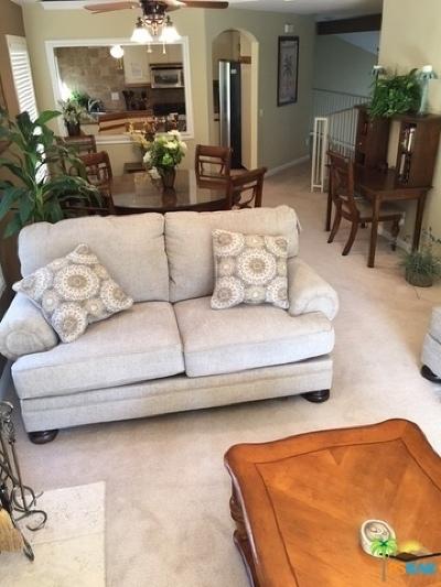 La Quinta Condo/Townhouse For Sale: 55285 Tanglewood