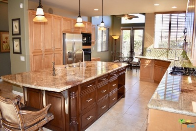 Palm Desert Single Family Home Contingent: 40501 Diamondback Drive