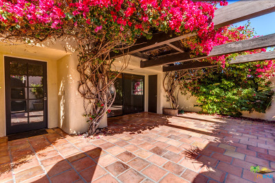 Palm Springs Condo/Townhouse For Sale: 1129 East Alejo Road