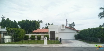 Palm Springs Single Family Home For Sale: 654 North Calle Marcus