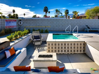 Palm Springs Condo/Townhouse Contingent: 588 East San Lorenzo Road #205