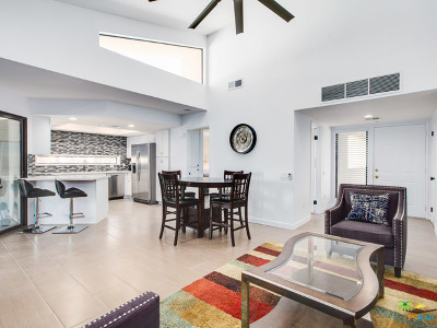 Palm Springs Condo/Townhouse For Sale: 255 South Avenida Caballeros #117