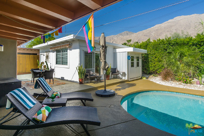 Palm Springs Single Family Home For Sale: 585 South Calle Santa Rosa