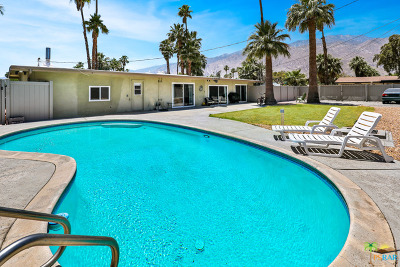 Palm Springs Single Family Home For Sale: 1850 East Desert Palms Drive