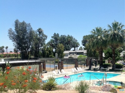 Palm Springs Condo/Townhouse For Sale: 81 Portola Drive