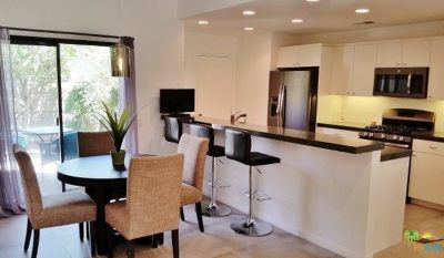 Palm Springs Condo/Townhouse For Sale: 1155 North Tiffany Circle