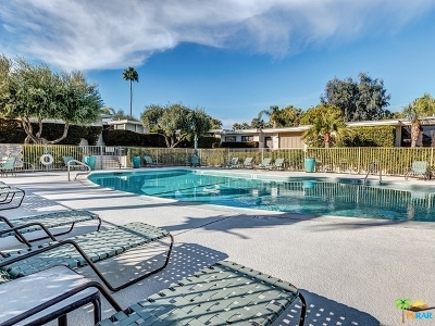 Palm Springs CA Condo/Townhouse Contingent: $225,000