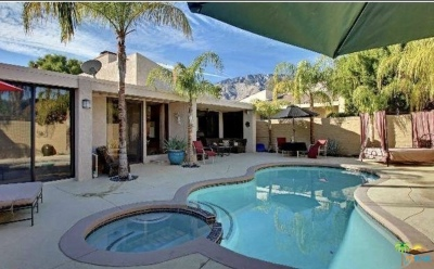 Palm Springs Condo/Townhouse For Sale: 982 Sundance Circle