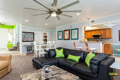 Cathedral City Condo/Townhouse For Sale: 68422 Calle Toledo