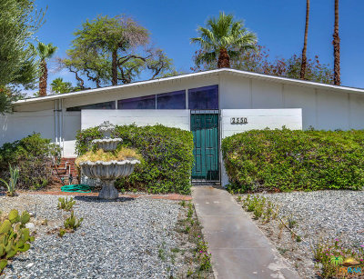 Palm Springs Single Family Home For Sale: 2550 North Kitty Hawk Drive