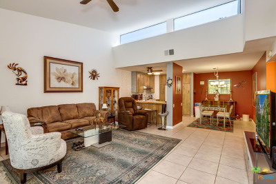 Palm Springs Condo/Townhouse For Sale: 2510 North Whitewater Club Drive #C