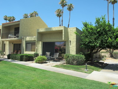 Palm Springs Condo/Townhouse For Sale: 5746 Los Coyotes Drive