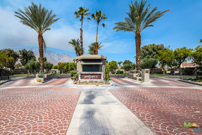 Palm Springs Condo/Townhouse For Sale: 984 Sundance Circle