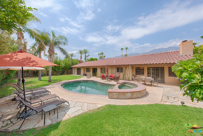 Palm Springs Single Family Home For Sale: 1594 South Farrell Drive