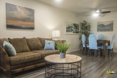 Palm Springs Condo/Townhouse For Sale: 470 North Villa Court #208