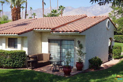 Palm Springs Condo/Townhouse For Sale: 2701 East Mesquite Avenue #N60