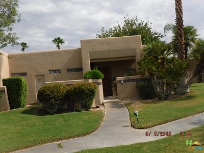 Cathedral City Condo/Townhouse For Sale: 28268 Desert Princess Drive