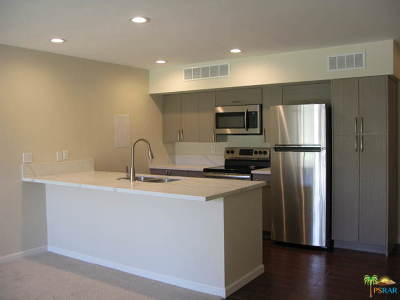 Palm Springs CA Condo/Townhouse Contingent: $139,500