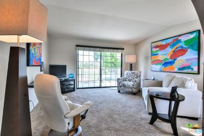 Palm Springs Condo/Townhouse For Sale: 2700 East Mesquite Avenue #D24
