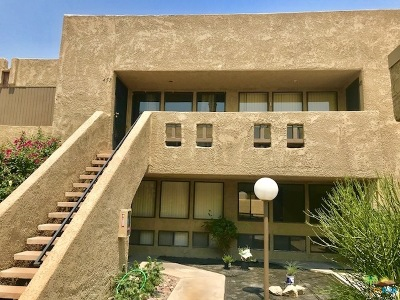Palm Springs Condo/Townhouse For Sale: 453 Bradshaw Lane #35