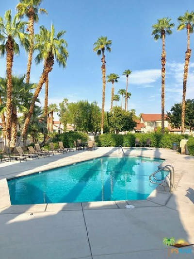 Palm Springs Condo/Townhouse For Sale: 6175 Montecito Drive #4