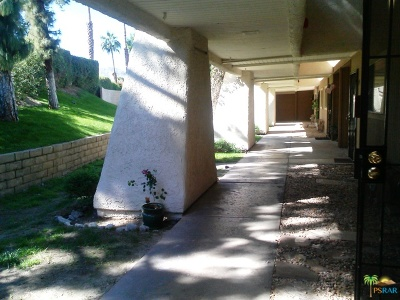 Palm Springs Condo/Townhouse For Sale: 2825 North Los Felices Road #116