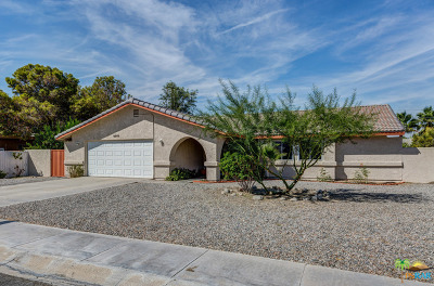 Palm Springs Single Family Home For Sale: 2040 East Rochelle Road