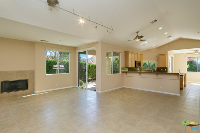 Palm Springs Condo/Townhouse For Sale: 245 Canyon Circle #35