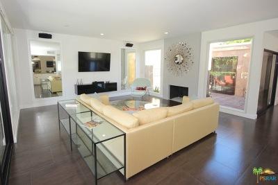 Palm Springs Condo/Townhouse For Sale: 1221 West Oakcrest Drive