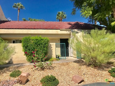 Cathedral City Condo/Townhouse For Sale: 32505 Candlewood Drive #47