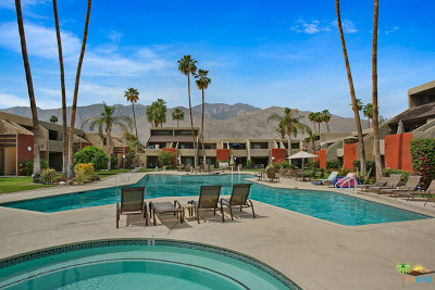 Palm Springs Condo/Townhouse For Sale: 1655 East Palm Canyon Drive #715
