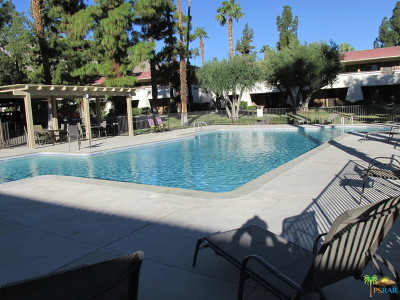 Palm Springs Condo/Townhouse For Sale: 575 North Villa Court #100