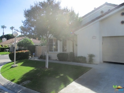 Desert Breezes Single Family Home For Sale: 43595 Via Magellan Drive